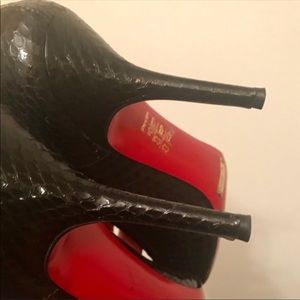 Dolce & Gabbana Snakeskin Heels 👠